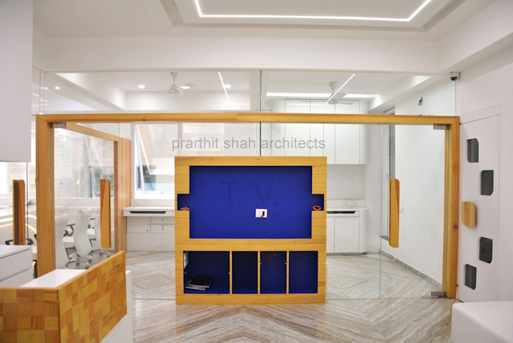 Waiting Area Partition Design prarthit shah architects Minimalist study/office