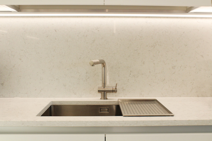 Lavabo Cucina minimalista di viemme61 Minimalista
