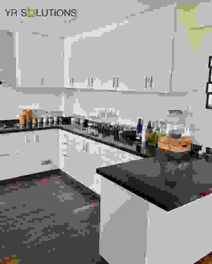 Fabricación e Instalación Cocina Chorrillos Cocinas de estilo clásico de YR Solutions Clásico