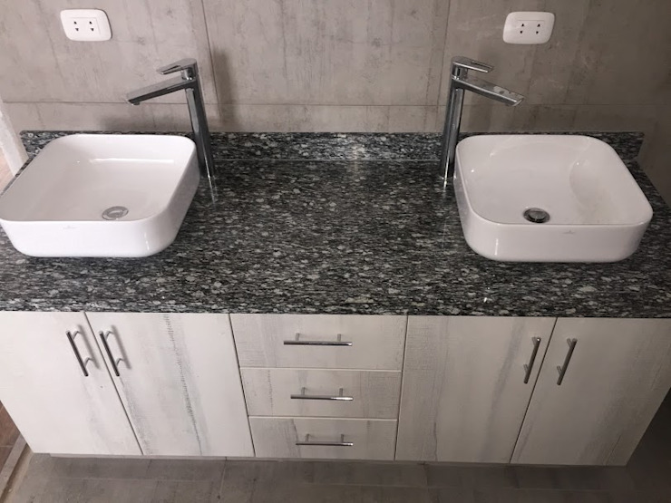 Muebles de Baño y Piedra Baños modernos de YR Solutions Moderno