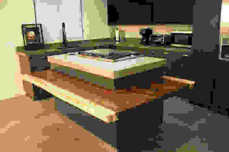 FLOATING PAROTA: Cocinas equipadas de estilo  por A.DESIGN
