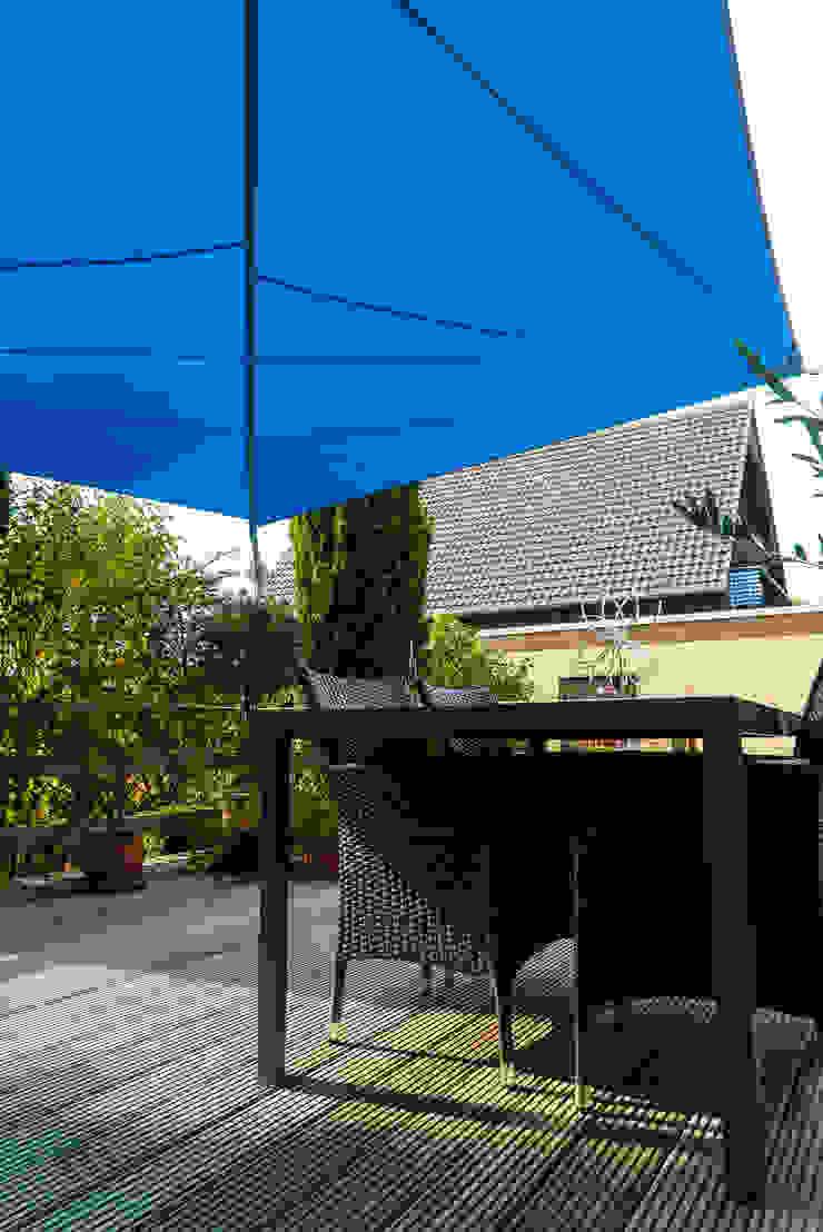 Modern Balkon, Veranda & Teras Pina GmbH - Sonnensegel Design Modern