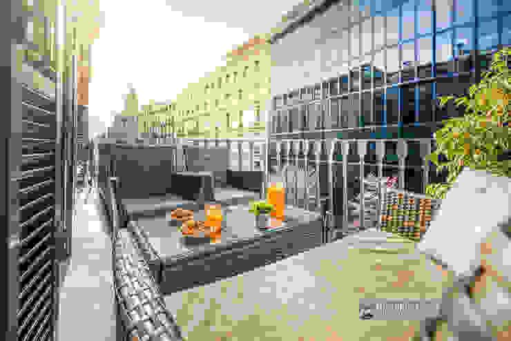 Terraza apartamento turístico en Barcelona Hoteles de estilo moderno de Carlos Sánchez Pereyra | Artitecture Photo | Fotógrafo Moderno