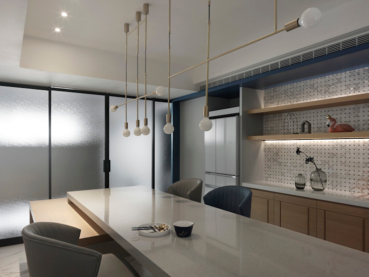 晴空桃源 Clear sky:  餐廳 by 肯星室內設計, 現代風