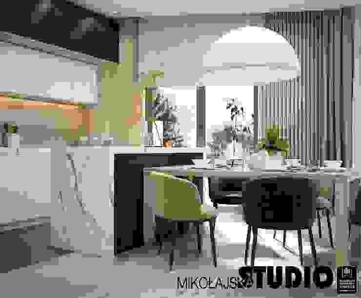 Apartament nr 333 Nowoczesna kuchnia od MIKOŁAJSKAstudio Nowoczesny