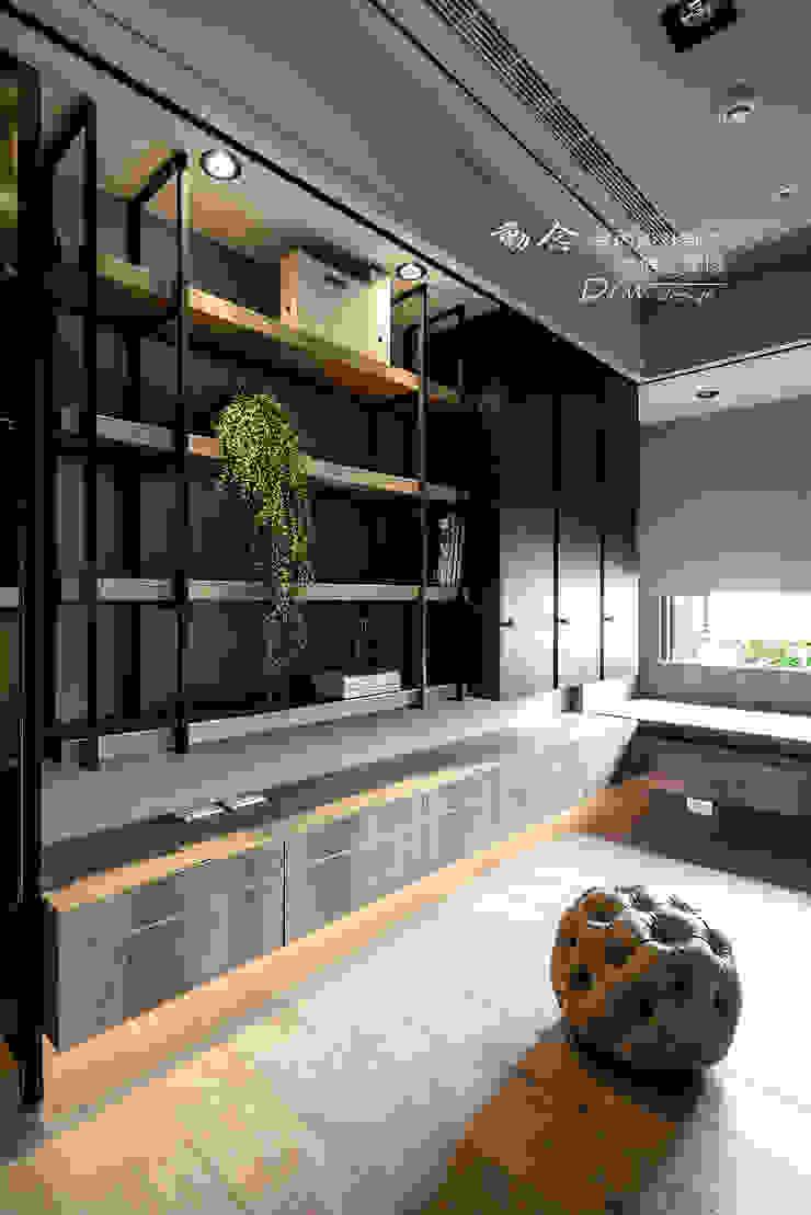 牆面收納 根據 木博士團隊/動念室內設計制作 現代風