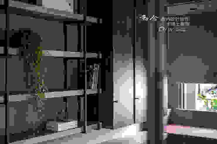 書房牆面 根據 木博士團隊/動念室內設計制作 現代風