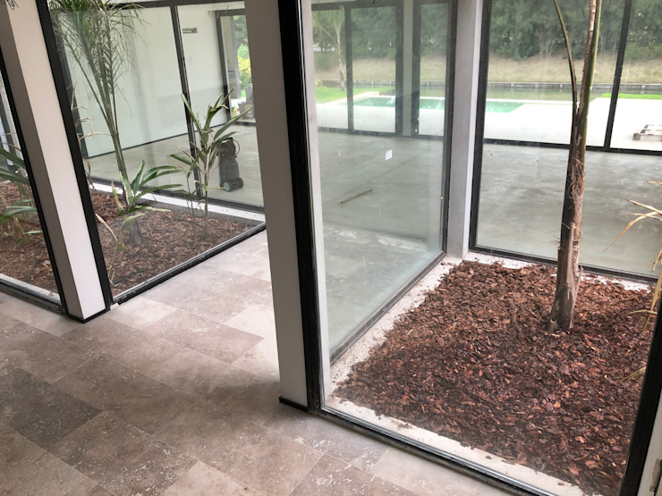 Moderne tuinen van Maximiliano Lago Arquitectura - Estudio Azteca Modern