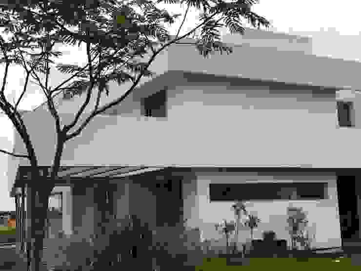 Maximiliano Lago Arquitectura - Estudio Azteca Modern style gardens