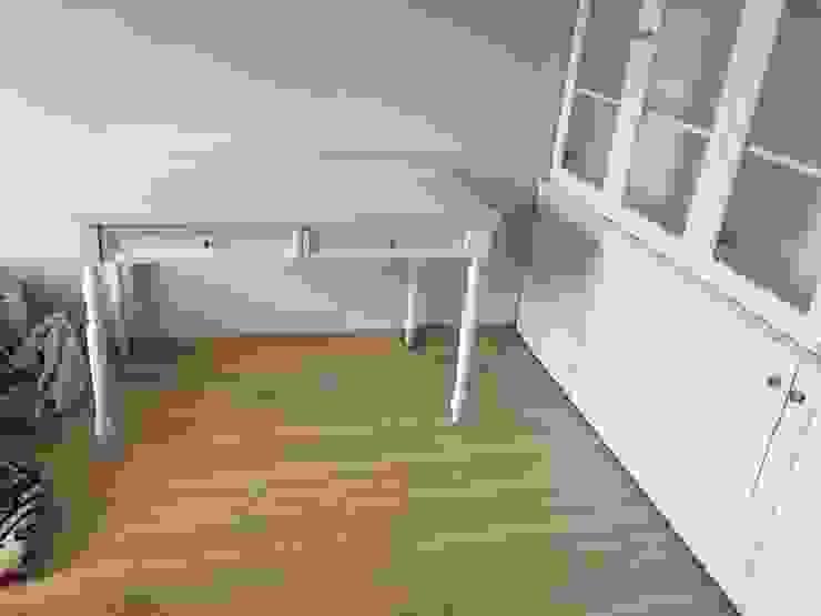 Hazine Dekorasyon – Çalışma Masası: modern tarz , Modern Ahşap Ahşap rengi