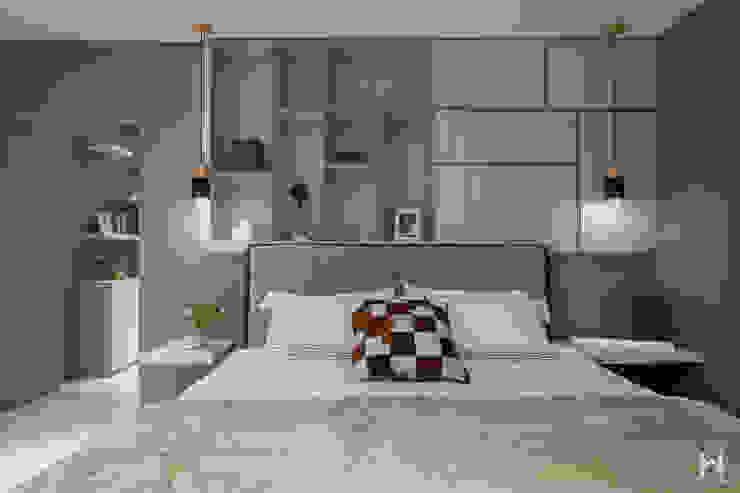 Nowoczesna sypialnia od 在家空間設計 Nowoczesny Lite drewno Wielokolorowy