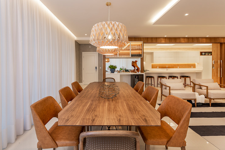 Tropical style dining room by Juliana Agner Arquitetura e Interiores Tropical Wood Wood effect