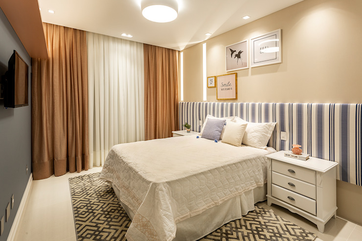 Classic style bedroom by Juliana Agner Arquitetura e Interiores Classic
