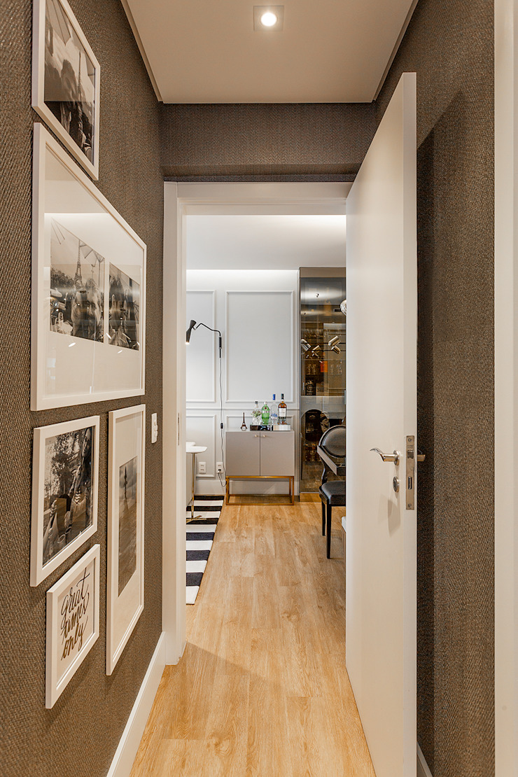 Modern Corridor, Hallway and Staircase by Juliana Agner Arquitetura e Interiores Modern