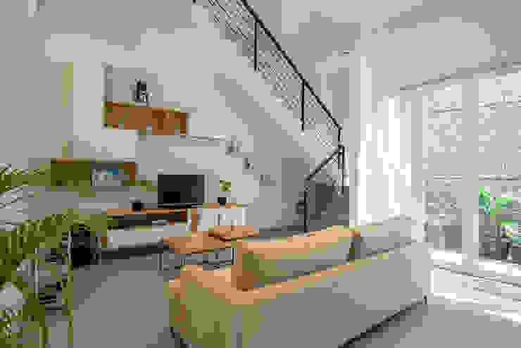 PT Membangun Harapan Sukses Modern Living Room Plywood Wood effect