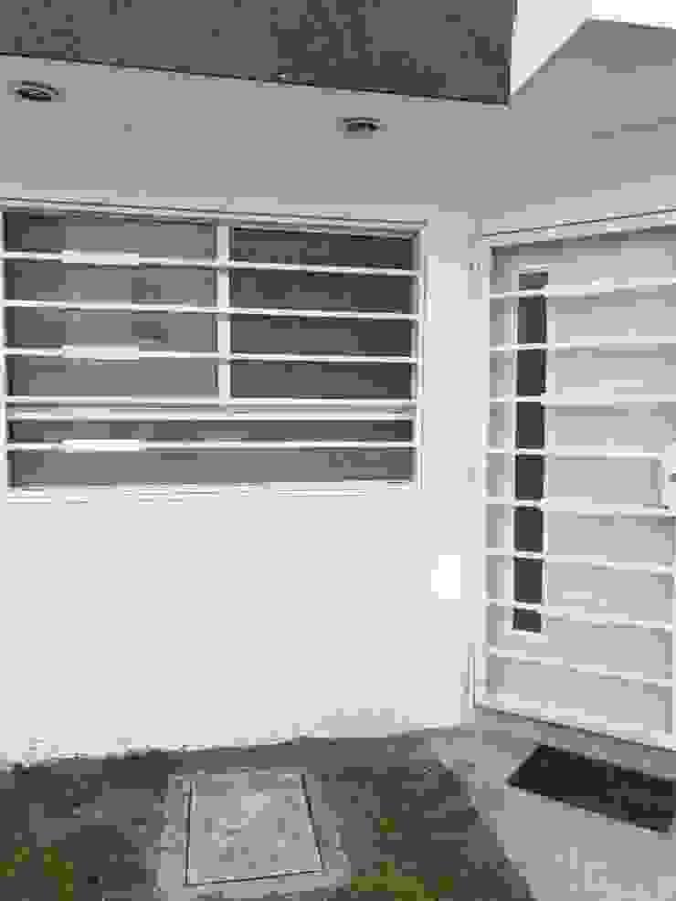 Protecciones casa-habitación de Herrería Querétaro Minimalista Hierro/Acero