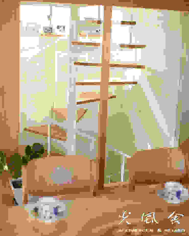 van 光風舎1級建築士事務所 Scandinavisch Massief hout Bont
