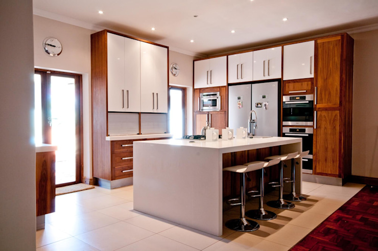 Kitchen Design Pretoria: classic  by Kitchen Frontiers, Classic