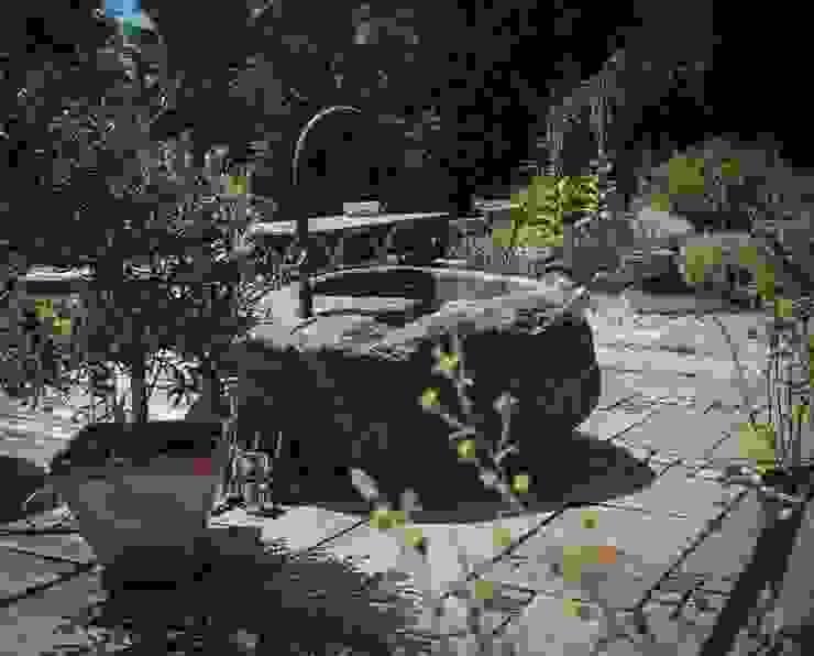 Gartenbrunnen aus Granit Steiner Naturstein Steingarten