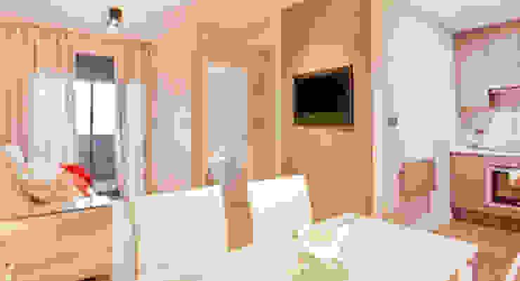 Pantallas táctiles y altavoces inteligente al servicio del hogar de Domonova Soluciones Tecnológicas para tu vivienda en Madrid Moderno