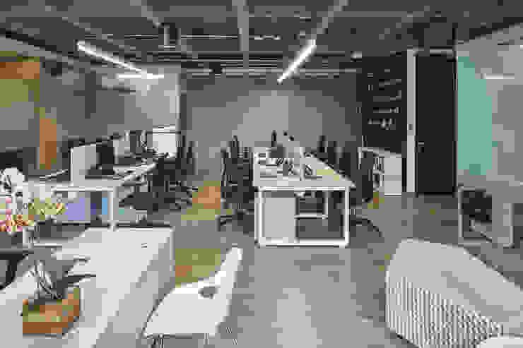 Puestos de trabajo Estudios y despachos de estilo minimalista de Servex Colombia Minimalista