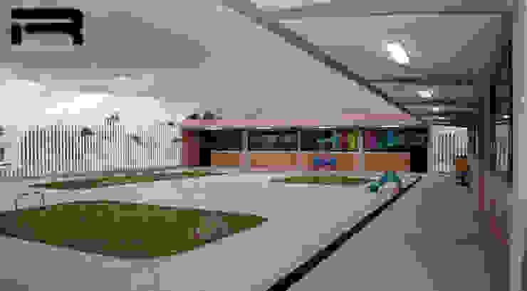 Patio cívico Estudios y despachos minimalistas de Rabell Arquitectos Minimalista