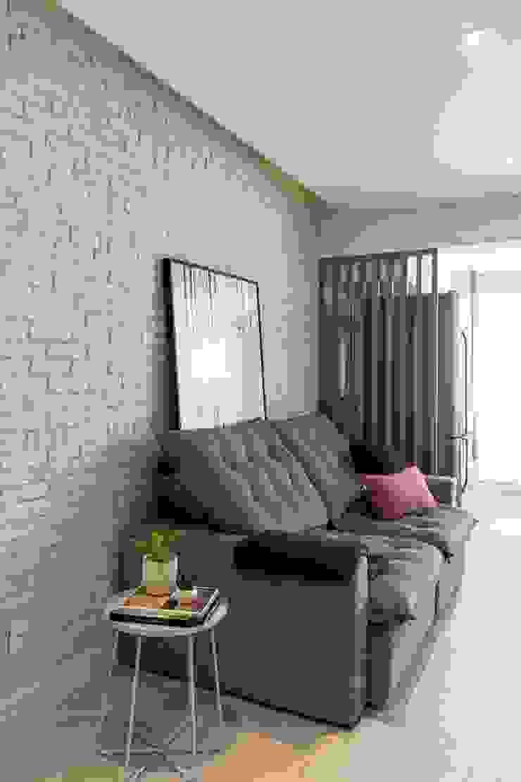 Mirá Arquitetura Salon moderne Briques Blanc