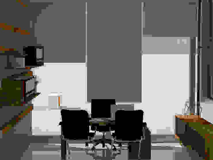 oficina gerencial:  de estilo industrial por CYNTHIA SALVATIERRA NOA, Industrial Aglomerado