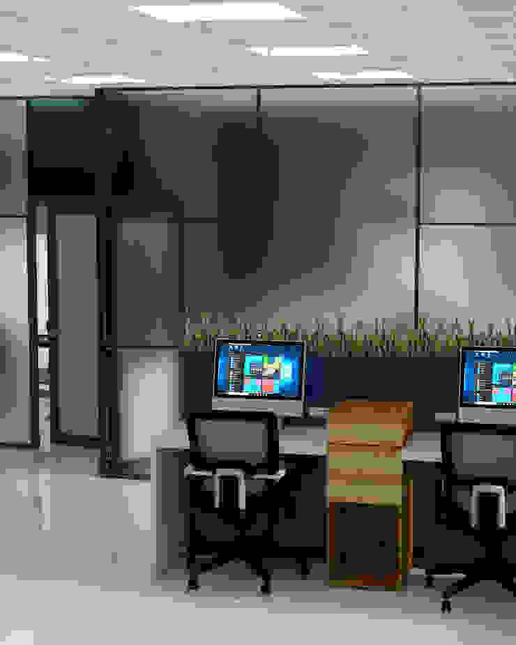 cubículos de trabajo:  de estilo industrial por CYNTHIA SALVATIERRA NOA, Industrial Aglomerado