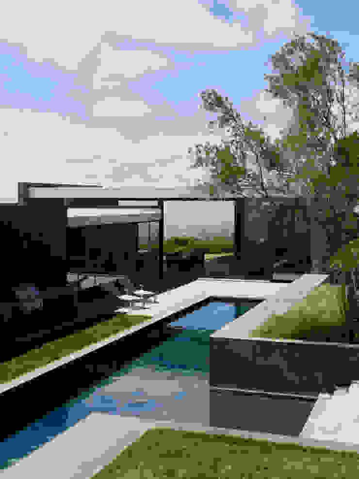 Im Jura Moderne Pools von Ecologic City Garden - Paul Marie Creation Modern
