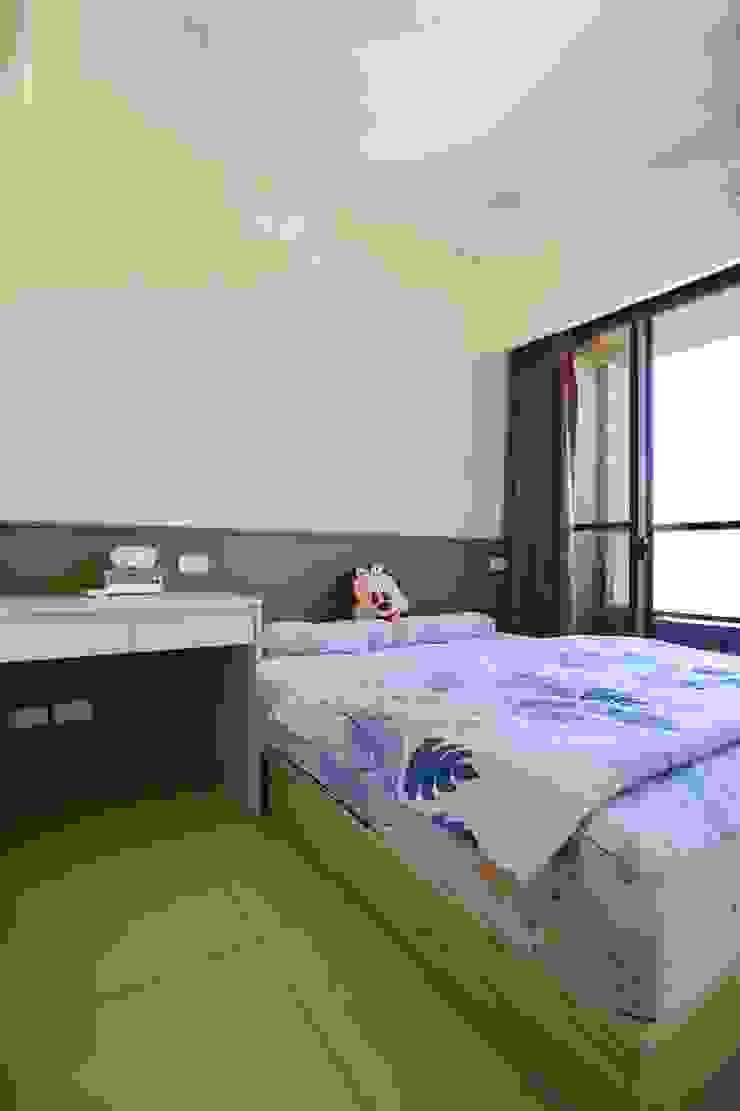 客房也擁有大片落地窗 根據 藏私系統傢俱 簡約風