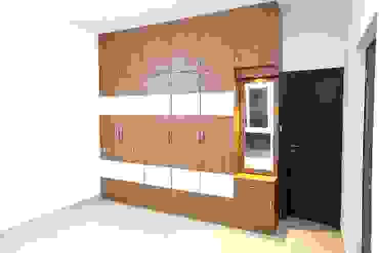 Master bedroom wardrobe Modern style bedroom by Interios by MK Design Modern