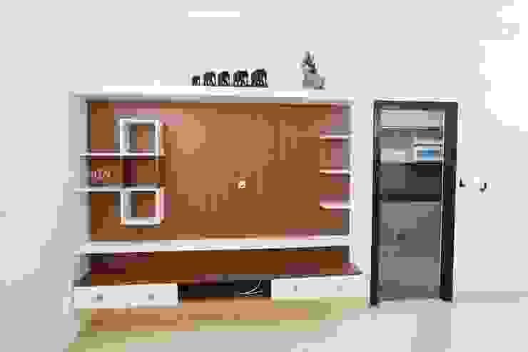 Living TV unit Modern living room by Interios by MK Design Modern