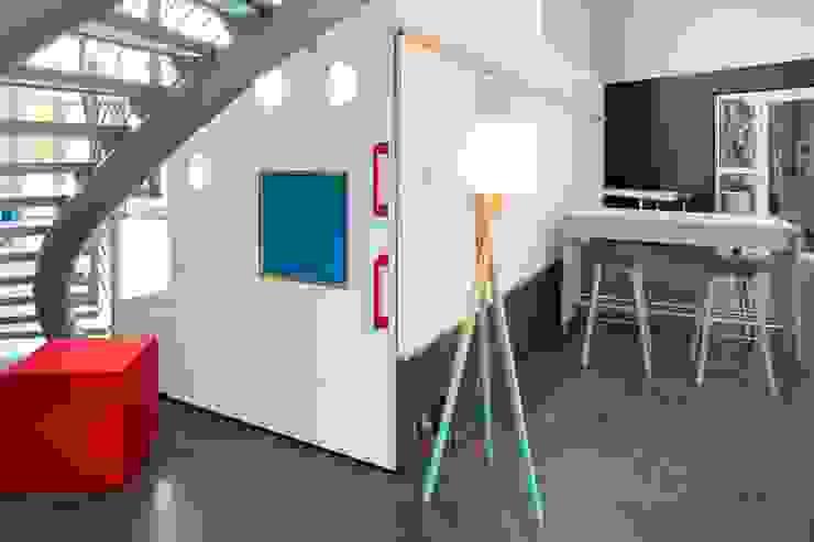 PINNWÄNDE:  Bürogebäude von _WERKSTATT FÜR UNBESCHAFFBARES - Innenarchitektur aus Berlin,Modern