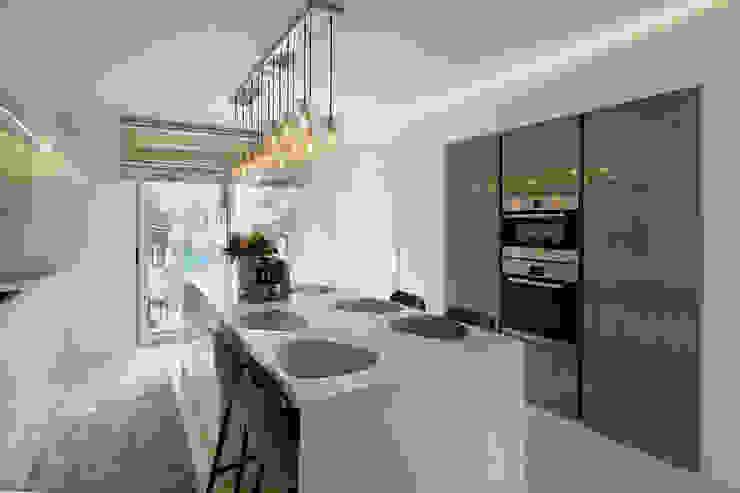 moderne keuken Marcotte Style Moderne keukens Marmer Wit
