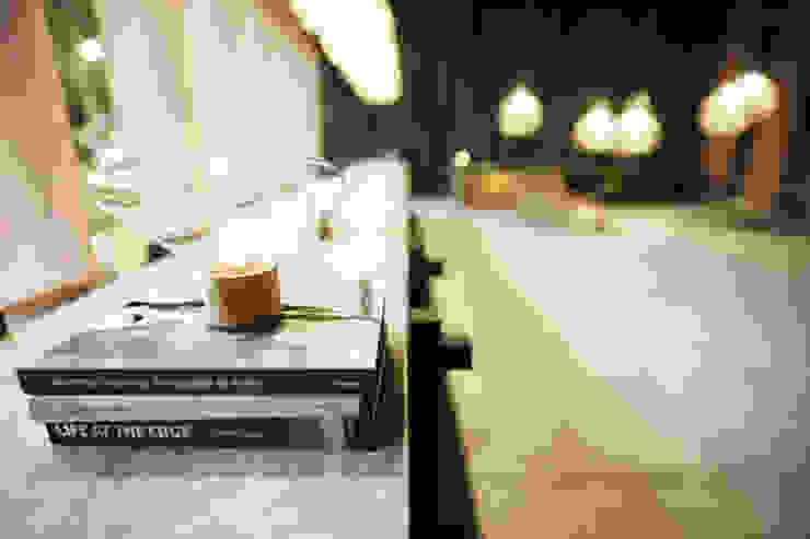 Lobby Interior Detalle Casas modernas: Ideas, imágenes y decoración de T + T arquitectos Moderno