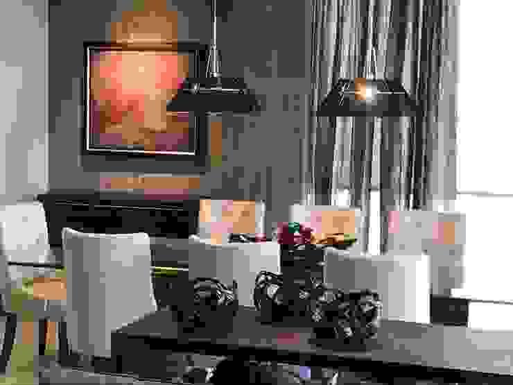 Iluminación y bufetero de comedor Comedores modernos de Portarossa Moderno Derivados de madera Transparente