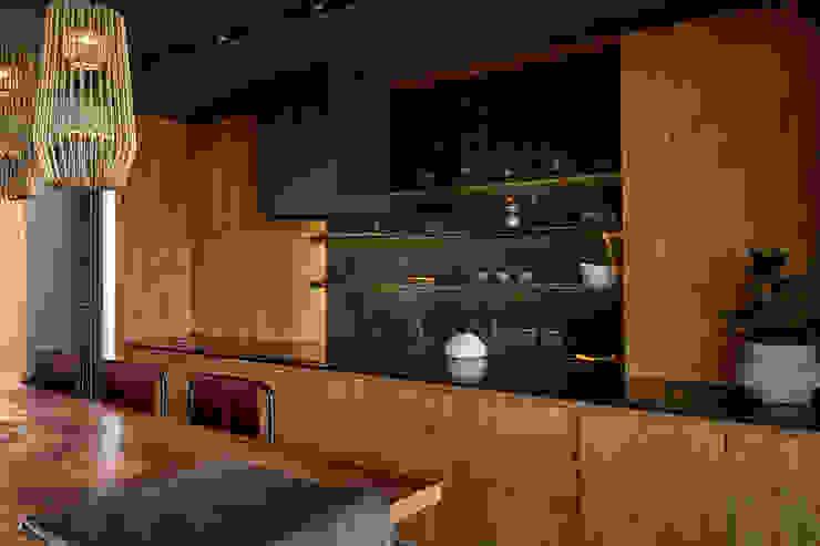 Casa El Canton Cocinas minimalistas de T + T arquitectos Minimalista
