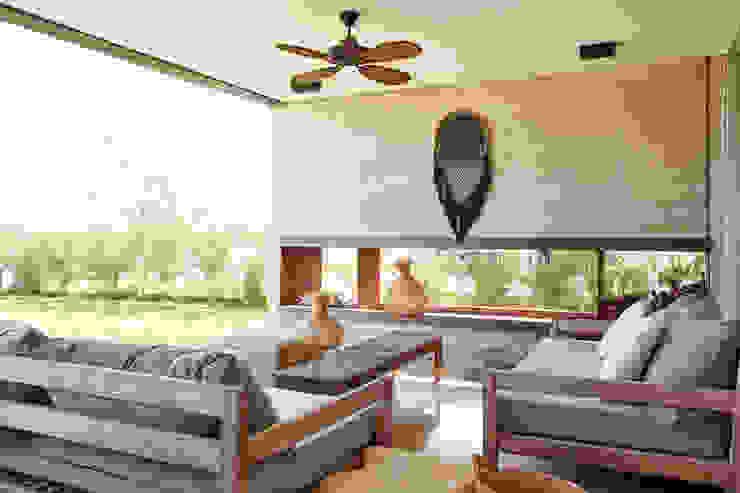 Casa El Canton: Jardines de estilo  por T + T arquitectos,Minimalista