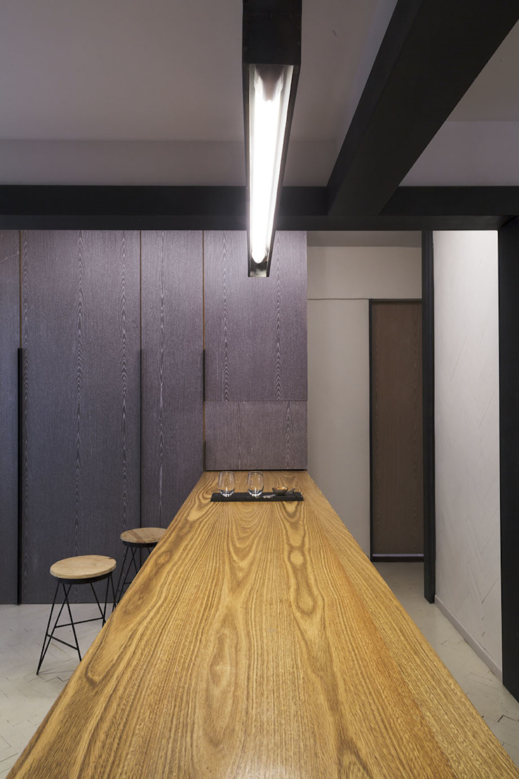 by T + T arquitectos Minimalist