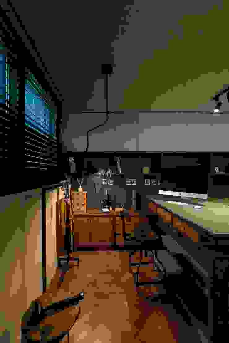 ㅤㅤ 모던스타일 서재 / 사무실 by 므나 디자인 스튜디오 모던