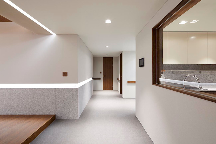 Moderne Wohnzimmer von 므나 디자인 스튜디오 Modern