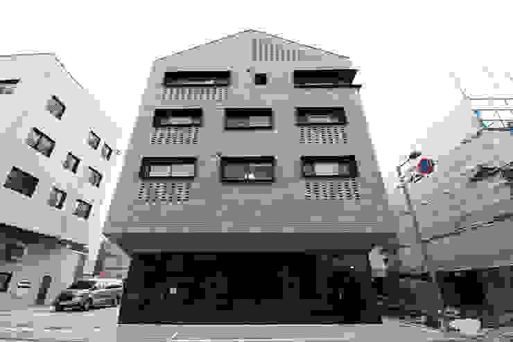 J_oblique 제이오블리크_평택시 고덕지구 FD11-4-9 상가주택 by AAG architecten 모던 벽돌