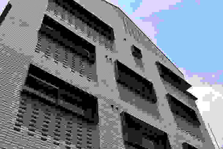 J_oblique 제이오블리크_평택시 고덕지구 FD11-4-9 상가주택 by AAG architecten 모던 금속
