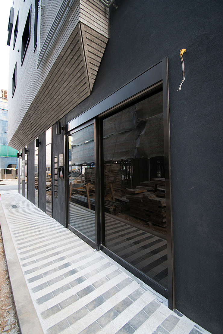 J_oblique 제이오블리크_평택시 고덕지구 FD11-4-9 상가주택 by AAG architecten 모던 석회암