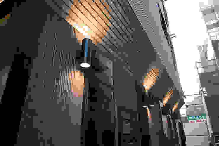 J_oblique 제이오블리크_평택시 고덕지구 FD11-4-9 상가주택 by AAG architecten 모던 세라믹