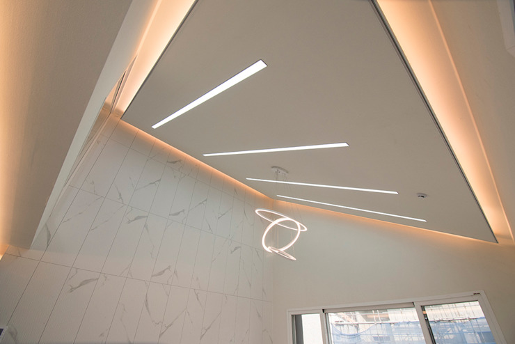 J_oblique 제이오블리크_평택시 고덕지구 FD11-4-9 상가주택 모던스타일 거실 by AAG architecten 모던 타일