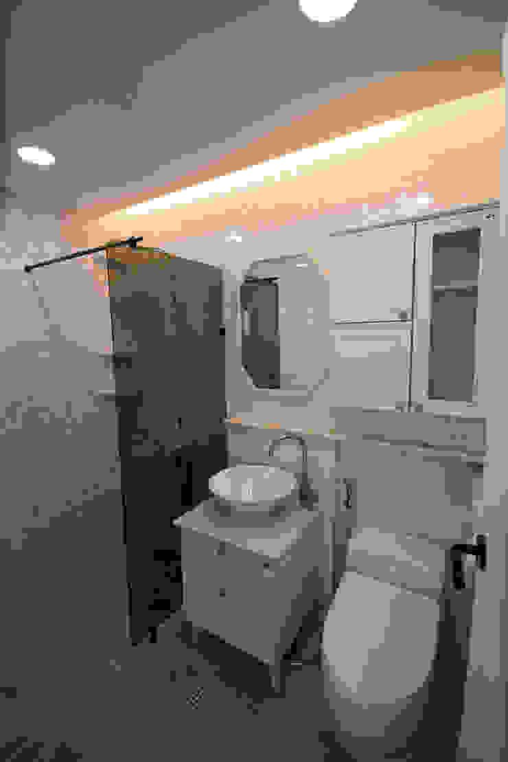 J_oblique 제이오블리크_평택시 고덕지구 FD11-4-9 상가주택 스칸디나비아 욕실 by AAG architecten 북유럽 타일