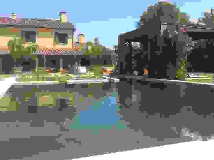 Biopiscina Rimini Rigenera Giardino con piscina Marmo