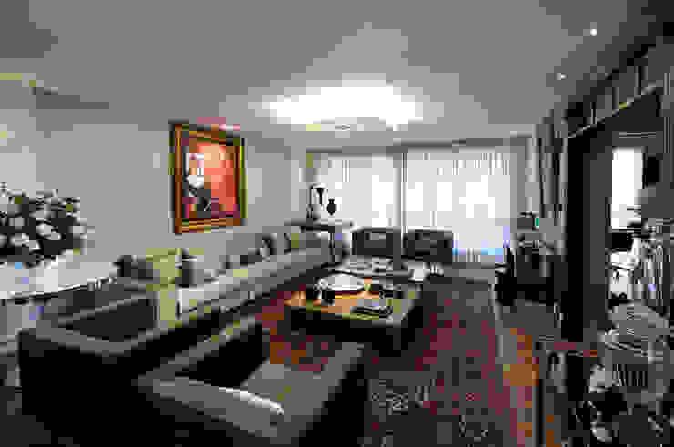 living Salas de estar ecléticas por C2 Arquitetos Eclético